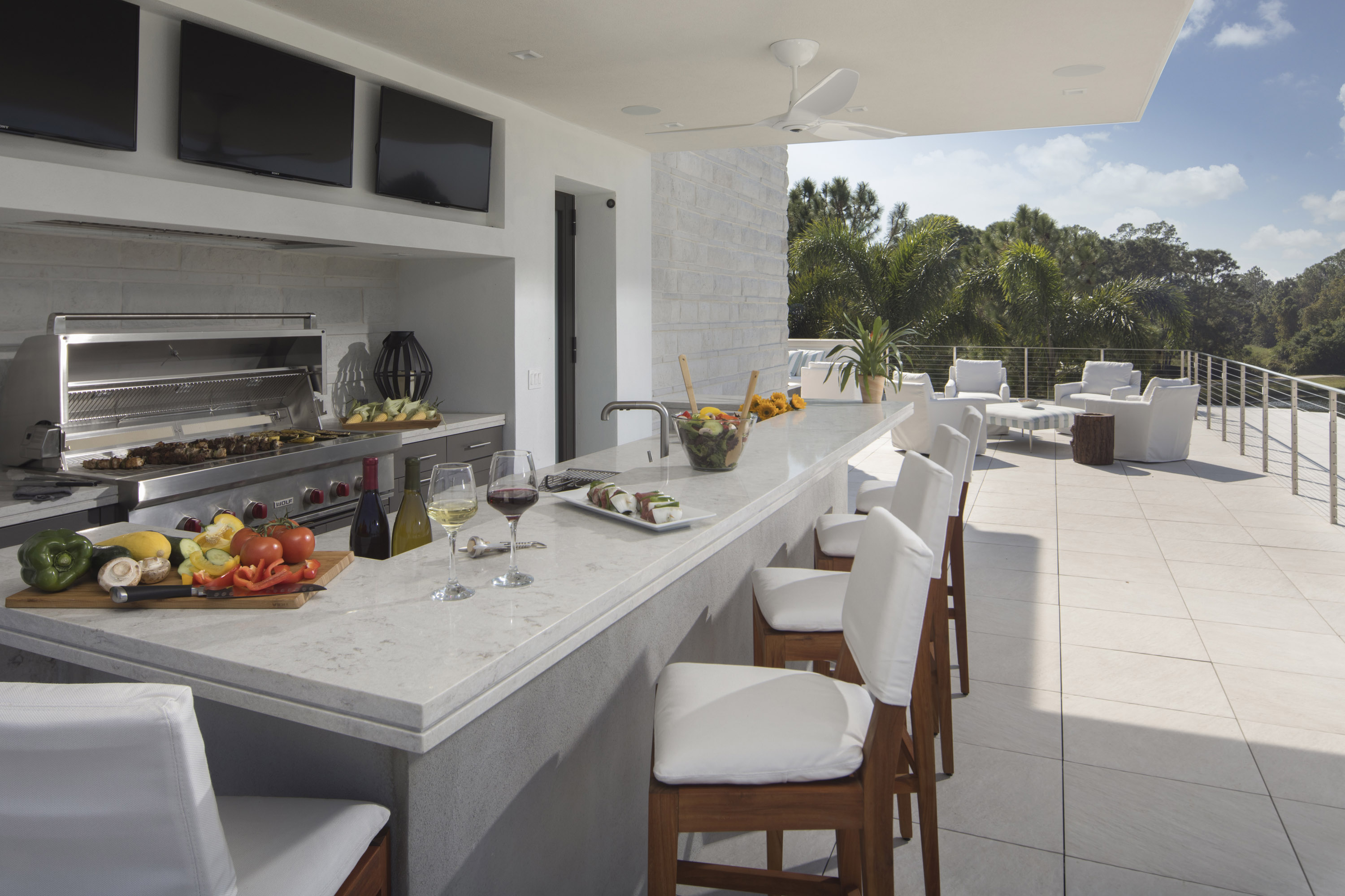 Outdoor Kitchens A Must Have Amenity For Florida Homes